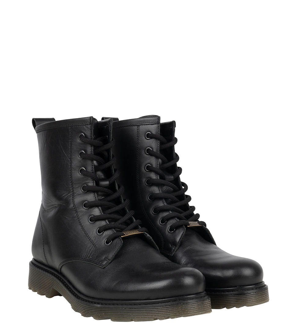 Zusss Boots Stoere veterlaars zwart | The Little Green Bag