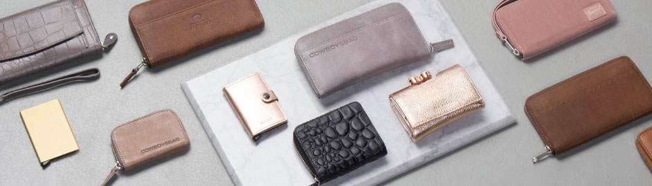 LouLou Essentiels  wallets